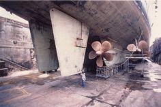 warship: Iowa Class Battleship dimensions
