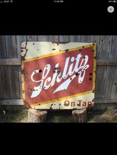 Schlitz Beer Sign Vintage Beer Signs, Antique Signs, Vintage Bar, Schlitz Beer, Homemade Beer, How To Make Beer, Beer Brewing, Bar Signs, Brewery