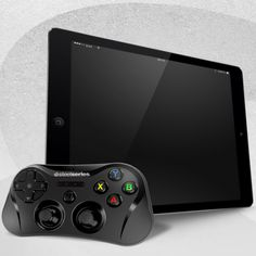 CES 2014, SteelSeries presenta Stratus, il controller definitivo per iPhone e iPad