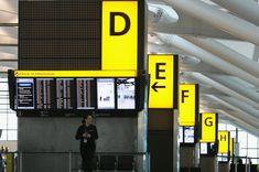 Señalización en la T5 del Aeropuerto de Heathrow, en Londres,  obra del arquitecto Richard Rogers.