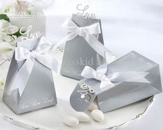 100 Pcs Elegant Silver Live Laugh Love Wedding Gift Candy Favor Box With White Satin Bow