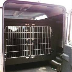 Transk9 B21 Dog Transit Box In Freelander 2 Also A Dog