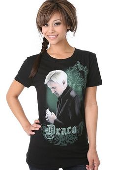 Hot Topic has three new T-shirts featuring Luna Lovegood, Draco Malfoy and Albus Dumbledore from Harry Potter and the Half-Blood Prince . Harry Potter New, Harry Potter Outfits, Hot Topic Shirts, Draco Malfoy, Hermione, Cute Anime Chibi, Types Of Girls, Half Blood, Plus Size