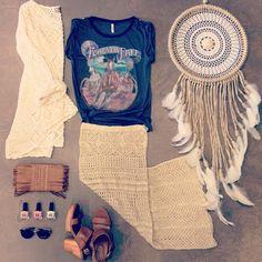 """If you really want to catch your dream, you have to chase it!"" @spell_byronbay @kivari_the_label @summerandthegypsy #whitebohemian #spellbyronbay #spelldesigns #kivari #minkpink #crochet #boho #bohemian #gypsy #gypsysoul #leather #dreamcatcher #inspo #Padgram"