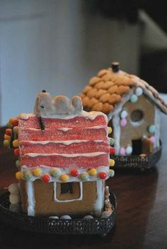 Snoopy's doghouse : Gingerbread House on Craftster.org