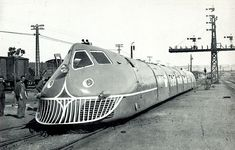 1942 Talgo prototype.  This is the same company that builds the Amtrak Cascades equipment.  A long time has passed since that prototype---thank God.