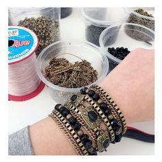 produção de quinta! muito amor.  www.milacoelho.com.br  #produçãododia #produção #fashionjewelry #trend #moda #bijoux #floripa #milacoelho #acessórios