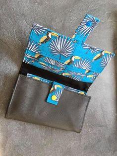 Compagnon Complice en simili gris et imprimé toucans cousu par Karine - Patron Sacôtin