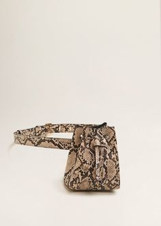 Beige snake skin mini belt bag from Mango Leather Belt Bag, Faux Leather Belts, Fendi, Balenciaga Basket, Baskets Gucci, Mango Bags, Waist Purse, Fashion Handbags, Backpacks