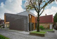 Image 4 of 19 from gallery of Samrode Building / Krists Karklins & Arhitektūras Birojs. Photograph by Indriķis Stūrmanis Brick Architecture, Residential Architecture, Amazing Architecture, Duplex Design, Archi Design, Brick Cladding, Brickwork, Brick And Mortar, Brick And Stone