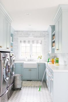 """Awesome """"laundry room storage diy shelves"""" info is readily available on our internet site. Take a look and you wont be sorry you did. Laundry Room Organization, Laundry Room Design, Laundry Rooms, Layout Design, Design Ideas, Laundry Room Inspiration, Sweet Home, Living Room Designs, Kitchen Decor"""