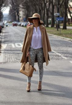 Fashion Babe In Her Fav Color: Dunja wearing #stradivarius trousers, #primark blouse, #hm hat and #coach purse