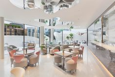 God Save the Queen and all: Dior inaugura cafetería en Seoul #dior #coffee #seoul
