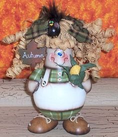 PDF ePattern FaLL sCArEcRoW oRnaMenT recycled light bulb OFG pRiM cHiCk acrylic painting paTTern 709 AUTUMN. $7.50, via Etsy.