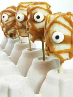 Mummy Bananas plus lots of other fun and healthy Halloween food ideas.