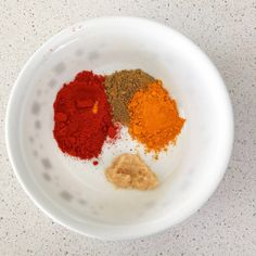 Mix spice powders and ginger with some water Indian Food Recipes, Vegetarian Recipes, Cooking Recipes, Ethnic Recipes, Curry Side Dishes, Pumpkin Curry, Summer Dishes, Indian Sweets, Vegetarische Rezepte