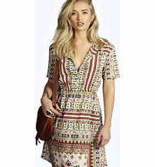 boohoo Scarf Print Tie Waist Woven Shirt Dress - multi Nineties revival reigns supreme with the spaghetti- strap slip dress stealing the what's hot top spot. Feminine, floaty fabrics and floral prints are our fave, with midi lengths a must-have. Go boho i http://www.comparestoreprices.co.uk/dresses/boohoo-scarf-print-tie-waist-woven-shirt-dress--multi.asp