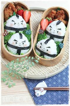Lovely sumo onigiris by Bento Monsters | 10 Amazingly Appetising Food Art Designs Part 5