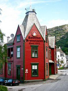 Auch mal ne schöne Feuerwache! Firehouse in Bergen, Norway