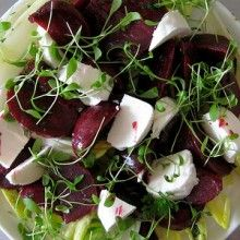 Try dietician Celeste Naudé's crowd-pleasing honey-baked beetroot salad with Dijon mustard dressing...