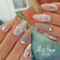 "304 Likes, 1 Comments - Alina Hoyo Nail Artist (@alinahoyonailartist) on Instagram: ""Good morning sunshine!  #alinahoyonailartist#nailart#nails #nailartmagazine #prettynails…"""