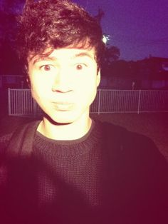 """I look like a floating head!! Good morning <3""-Calum"