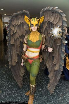 HawkGirl cosplay... this is so FUCKING EPIC.