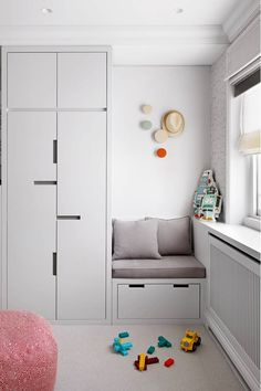 Bold elegance at a Belgravia townhouse Storage system in the children's room. In small rooms, every Kids Bedroom Furniture, Childrens Bedroom Storage, Bedroom Storage, Kids Room, Bedroom Cupboard Designs, Cupboard Design, Bedroom Cupboards, Childrens Bedrooms, Childrens Room Storage