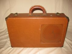 Gibson Battery-Powered Suitcase Amp (1950's)