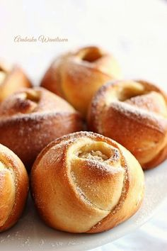 Arabeska : Drożdżowe róże z serem Cookie Desserts, Dessert Recipes, Sandwich Cake, Polish Recipes, Cake Cookies, Cake Pops, Doughnut, Deserts, Food And Drink