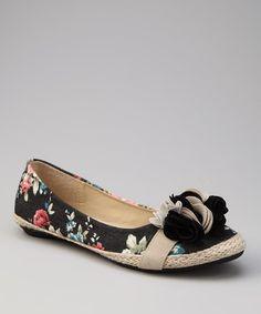 Marilyn Moda Black Floral Rosette Kanji Flat