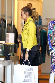 Miley Bird, but cute everyday style.
