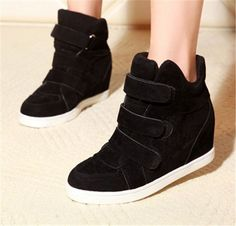Department Name: Adult Item Type: Boots Shoe Width: Wide(C,D,W) Process: Injection Season: Spring/Autumn Platform Height: 0-3cm With Platforms: Yes Closure Type: Hook & Loop Boot Height: Ankle Toe Sha