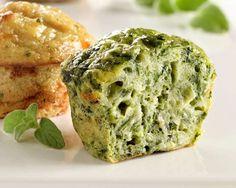 Muffins mit Brokkoli | Zeit: 25 Min. | http://eatsmarter.de/rezepte/muffins-mit-brokkoli