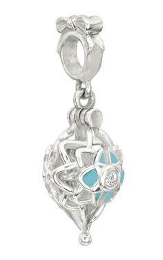 Chamilia Christmas and Hanukkah Charms Swarovski, Swarovski Crystals, Feather Earrings, Heart Earrings, Jewelry Shop, Fashion Jewelry, Chamilia Jewelry, Evil Eye Charm, Star Ornament