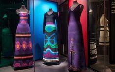 La Poesía Visual del grabador Mapuche Santos Chávez Peggy Guggenheim, Robert Mapplethorpe, Rei Kawakubo, Studio 54, Keith Haring, Cultura Rave, Water Bottle, Saints, Textile Industry