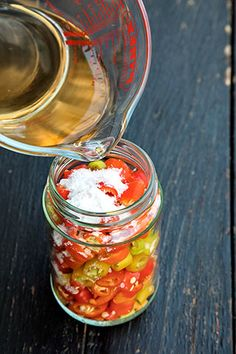ARDEI IUTI IN OTET | Diva in bucatarie Pickles, Food And Drink, Cooking Recipes, Homemade, Vegetables, Canning, Salads, Home Made, Chef Recipes