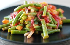pittige sperziebonen Green Beans, Vegetables, Food, Tomatoes, Meal, Eten, Vegetable Recipes, Meals, Veggies
