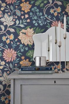 With its imaginative floral pattern boasting an abundance of blossoms and tendrils, design wallpaper Ebba creates a striking mural. A dark blue bac. Wallpaper Panels, Fabric Wallpaper, Pattern Wallpaper, Wallpaper Ideas, Art Nouveau, Eclectic Wallpaper, Nordic Home, Nordic Design, Home Reno