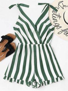 Summer No Ruffles Striped Sleeveless Plunging Regular Casual Daily Striped Ruffle Hem Romper Trendy Fashion, Fashion Models, Girl Fashion, Fashion Outfits, Womens Fashion, Ladies Fashion, Looks Style, Looks Cool, Summer Outfits