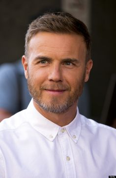 Gary Barlow haircut, hairstyles and hair - Guide with Pictures Gary Barlow, Trendy Haircuts, Haircuts For Men, Short Comb Over, Short Pompadour, High And Tight Haircut, Comb Over Haircut, Cool Hairstyles, Hairstyle Men