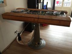 DJ meubel naar eigen ontwerp. / Own design DJ booth