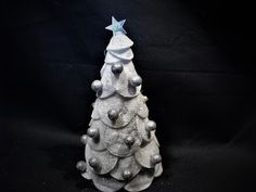 Ideas art for everyone, DIY - Joanna Wajdenfeld: Silvery Christmas tree with petals