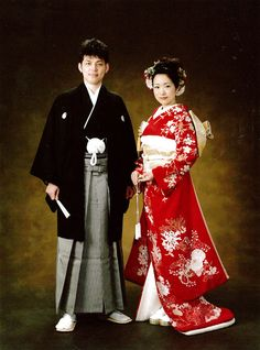 Bride & groom wedding outfit for those Japanese who wish to go the traditional path for that important day of their lives.