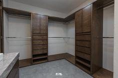 Virreyes 15: Vestidores y closets de estilo moderno por 2M Arquitectura