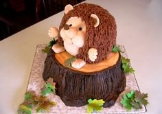 Hedgehog Cake - Hedgehog on tree stump. Birthday cake for 10 year old. Chocolate Fudge Cake covered w/Chcocolate BC. Face is overlaid with fondant. Girly Cakes, Fancy Cakes, Cute Cakes, Awesome Cakes, Hedgehog Cake, Hedgehog Birthday, Hedgehog Food, Ombre Cake, Animal Cakes