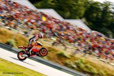 Casey Stoner - victory wheelie!!