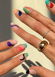 For working moms, busy women, and those who don& care much about nails, they are all good choices. We have collected the best short nail designs for you. They are simple and complex - unique and eccentric. It& your choice. Cute Nails, Pretty Nails, My Nails, Funky Nails, Gradient Nails, Design Ongles Courts, Hard Nails, Finger, Nagellack Trends