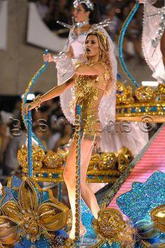 http://www.fashionfashion.org/wp-content/uploads/2012/02/Rio-Carnival-2012-136.jpg