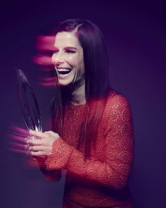 """Sandra Bullock in the photo booth backstage at #PCAs 2016! : @gettyentertainment @smallzphoto @raskindphoto"""